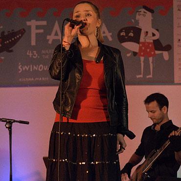 Anna Serafińska śpiewała przy promenadzie