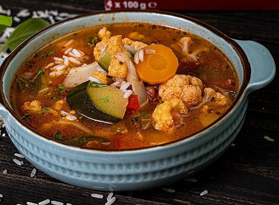 Przepis marki Britta Letnia zupa warzywna z ryżem