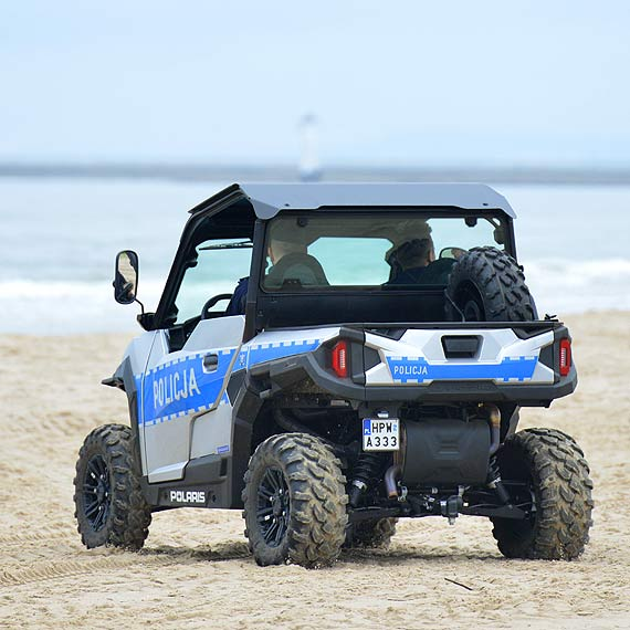 Pojazd UTV patroluje naszą plażę