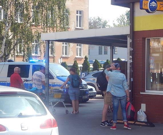 Maseczka niezgody - znamy przyczyny incydentu w Biedronce