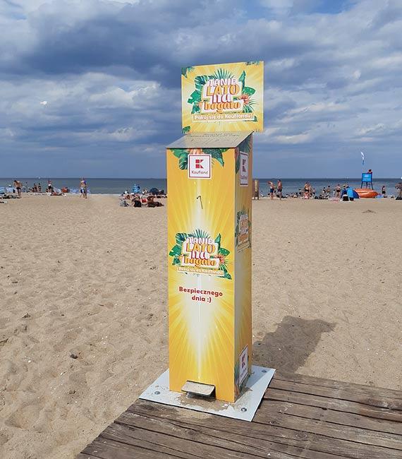 Nie tylko w sklepach − Kaufland udostępnia specjalne stacje do dezynfekcji rąk w kurortach wakacyjnych