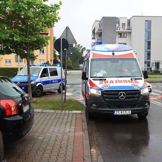Mercedes potrącił rowerzystkę. Kobieta trafiła do szpitala