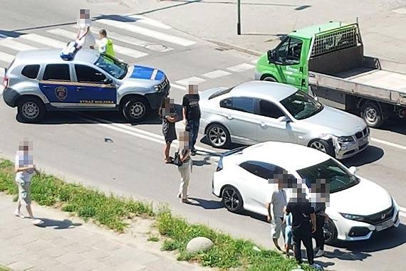 W wyniku stłuczki uszkodzone są dwa samochody