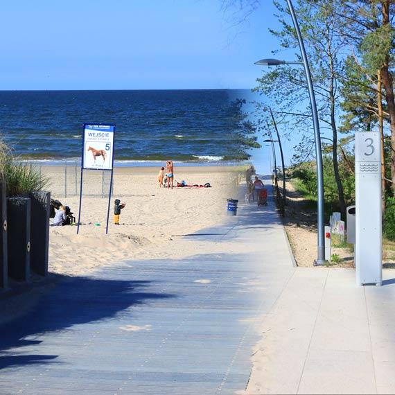 Uważajcie na oznaczenia wejść na plażę! Komuś się mocno pomyliło