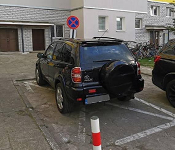 Notorycznie parkuje na miejscu dla niepełnosprawnych