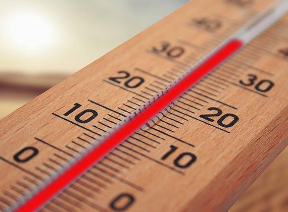 Klimatyzacja pomoże przetrwać upały. Sprawdź, jak ograniczyć koszty jej użytkowania