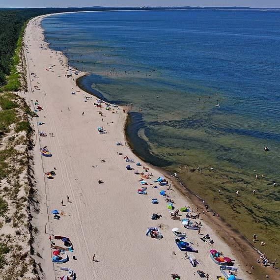 Dzika plaża pomiędzy Świnoujściem a Międzyzdrojami bije rekordy popularności!