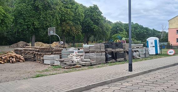 Mieszkaniec: Co z inwestycją rozpoczętą na Warszowie?