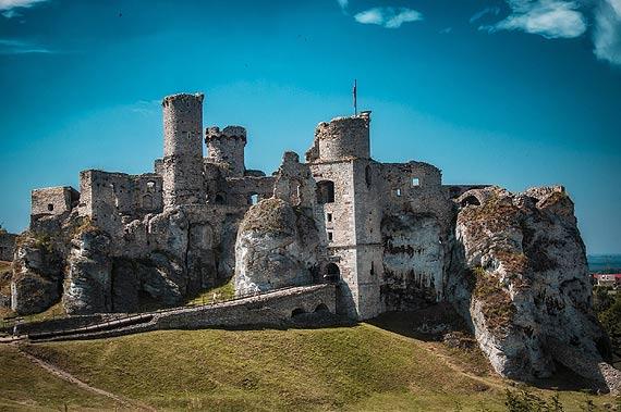 Wyprawa do zamku – idealny pomysł na wakacyjny wyjazd z rodziną