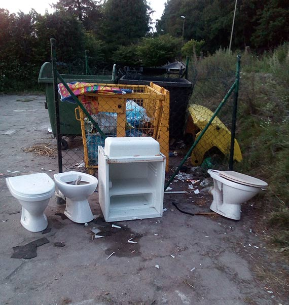 Na teren działek są podrzucana śmieci! Za ich wywóz płacą działkowicze