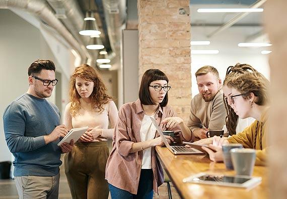 W jaki sposób zredukować lęk pracowników i zwiększyć ich bezpieczeństwo w miejscu pracy?