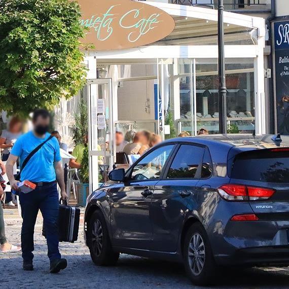 Włamanie do kawiarni na promenadzie