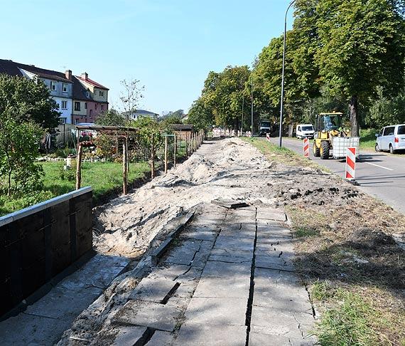 Droga rowerowa na Warszowie. Wykonawca na ostatnim odcinku