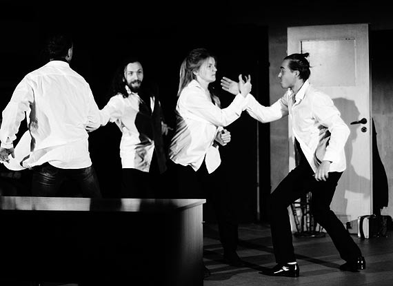 Dzisiaj Teatr Krzyk gra na deskach Teatru 8 Dnia w Poznaniu
