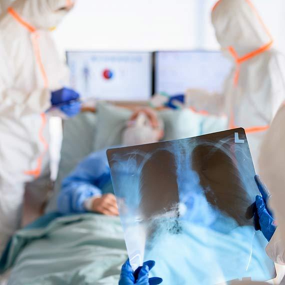 Zakażenia wirusem SARS-CoV-2 stan na 17.10.20 godz.10:00. Pięć osób zakażonych w naszym mieście