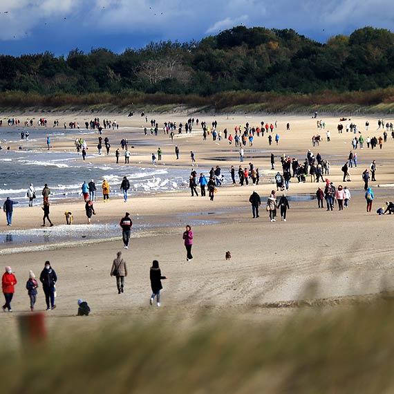 Sobotnie spacery - plaża przyciąga
