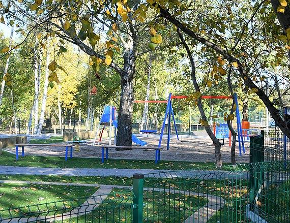 Na Warszowie. Osiedlowy mini park i plac zabaw już gotowe