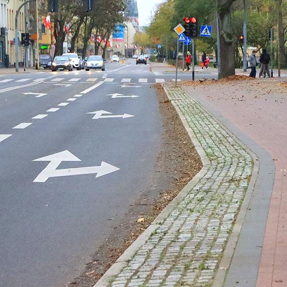 Ulica Wojska Polskiego powinna lśnić na 11 listopada. Krzywa i brudna przynosi tylko wstyd!