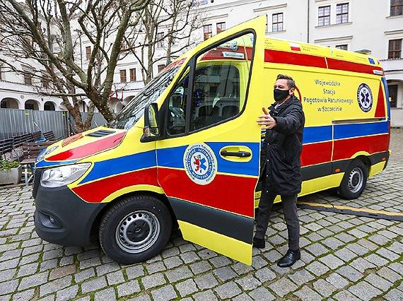 Dodatkowe karetki do walki z COViD-19. WSPR z 4 nowymi ambulansami