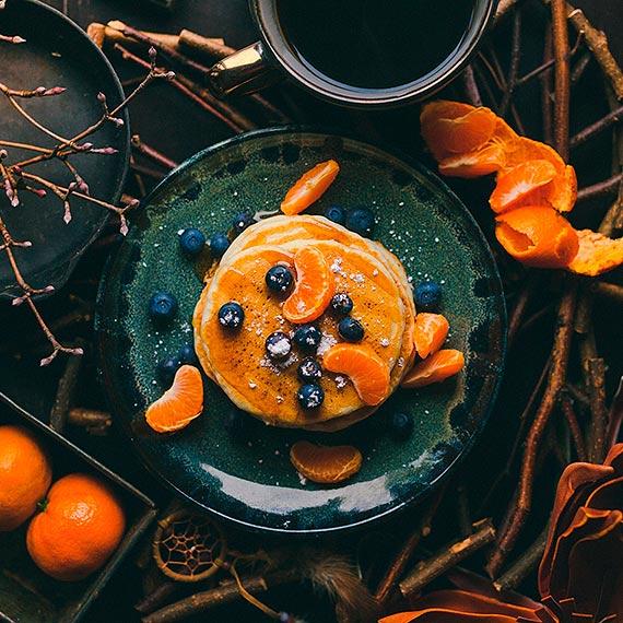 Zimowe placuszki z kaszy jaglanej z miodem i cynamonem – pomysł na zdrowe przekąski dla małych i dużych łasuchów