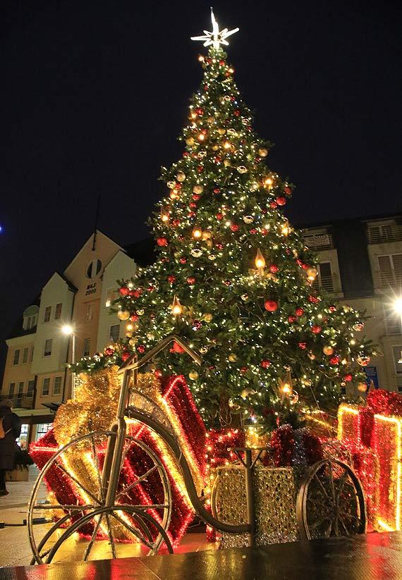 Bez świątecznych lampek widać,  jak złe decyzje podejmowały władze Świnoujścia