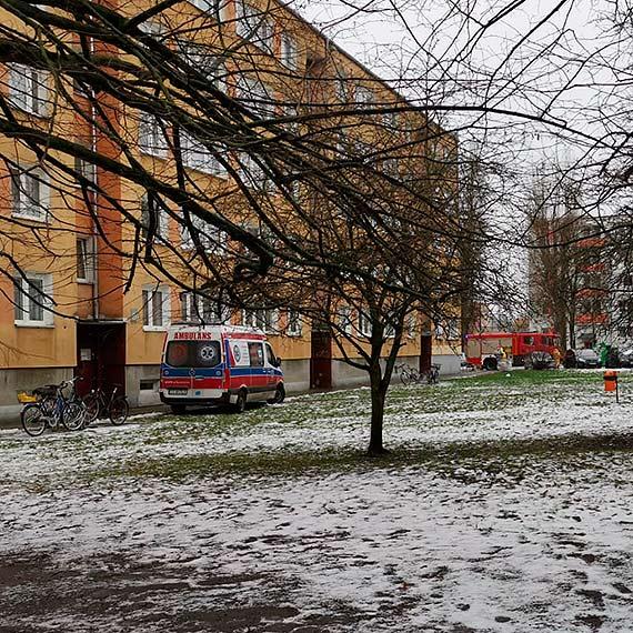 Na strażaków zawsze można liczyć. Pomogli ratownikom medycznym