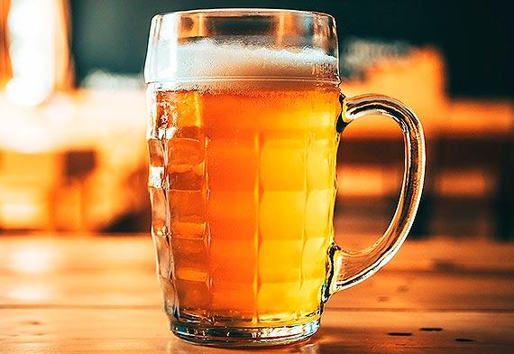 W pandemii pijemy mniej piwa