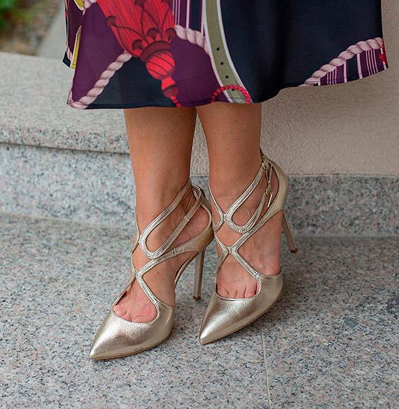 Postaw na złote buty i zabłyśnij na wiosnę