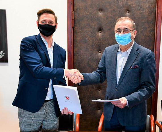 Jest umowa na termomodernizację Urzędu Miasta w Świnoujściu