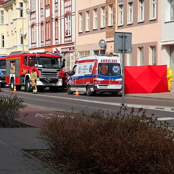 Mieszkaniec: Strażacy rozłożyli parawan ratowniczy. Co się wydarzyło przy Konstytucji 3 Maja?