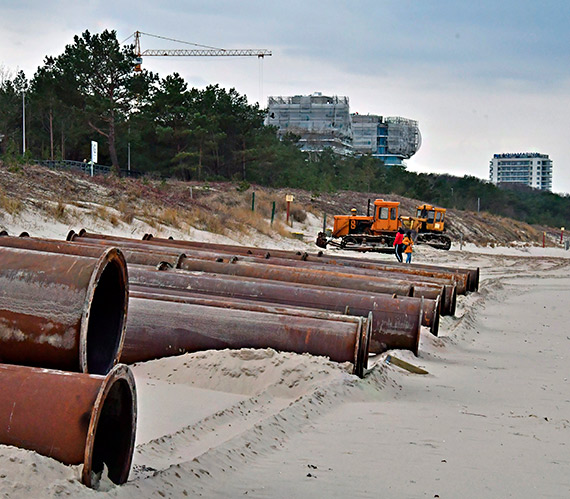 Piasek ze Świnoujścia poszerzy plażę w Międzyzdrojach