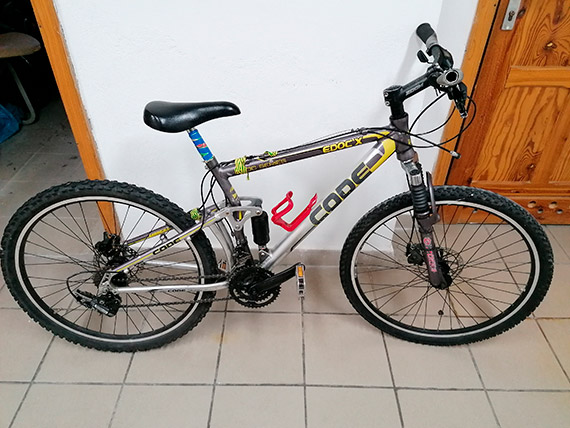 Trzy rowery czekają na właścicieli [2]