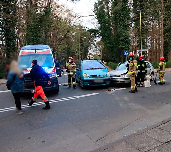 Citroen i Volkswagen zderzyły się na ulicy Matejki