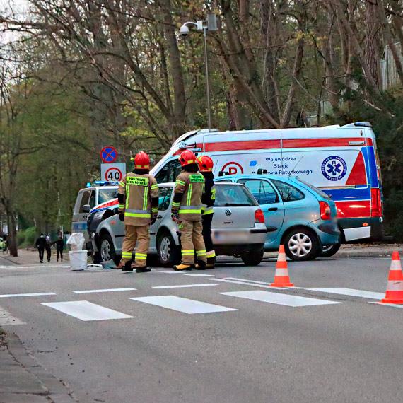 Citroen i Volkswagen zderzyły się na ulicy Matejki [2]