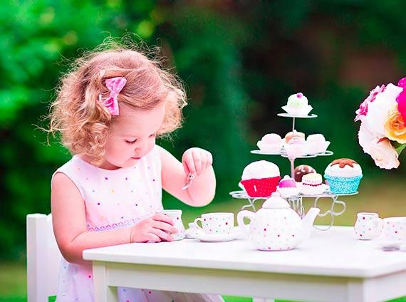 Pyszne herbatki dla maluchów – jakie napary możemy podawać dzieciom?