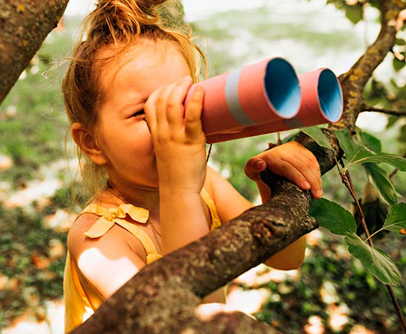 5 pomysłów na zabawy z dziećmi na łonie przyrody
