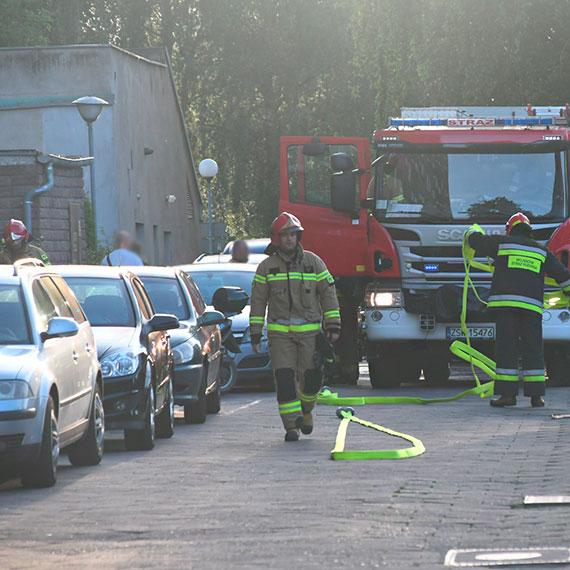 Z mieszkania przy Kołłątaja wydobywał się dym. Na miejsce wezwano straż pożarną