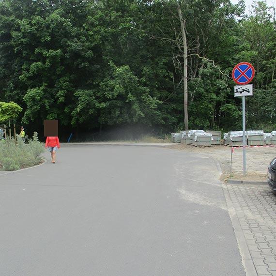 Nie parkuj przy ul. Uzdrowiskowej, bo odholują ci auto
