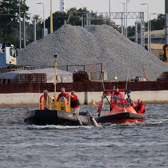 SAR zholował łódź ratowniczą R-2