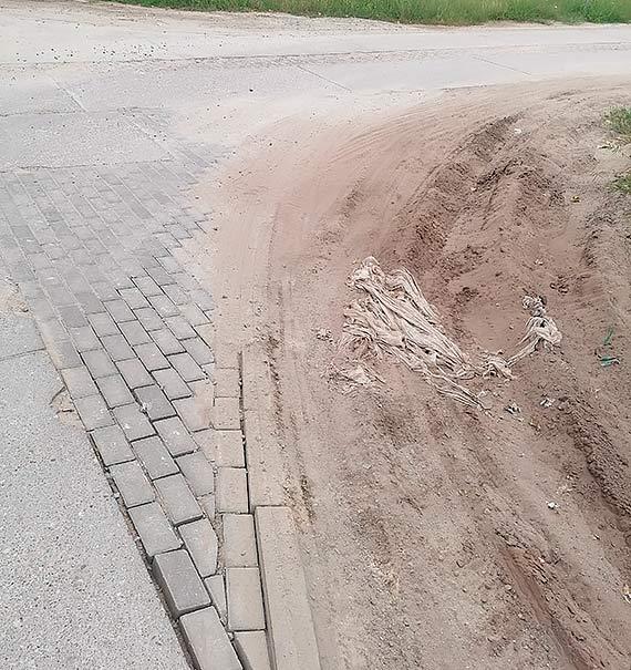 Mieszkaniec: Ulica Kanałowa w rozsypce