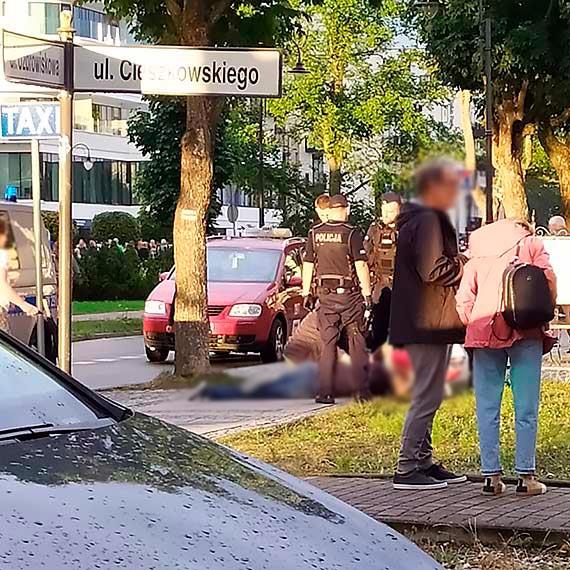Mężczyznę po ataku padaczki przewieziono do szpitala