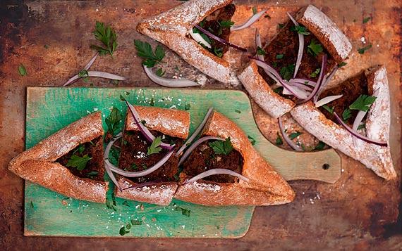 Smaki wakacji bez wyjeżdżania za granicę - kulinarne inspiracje z dwóch krańców Europy