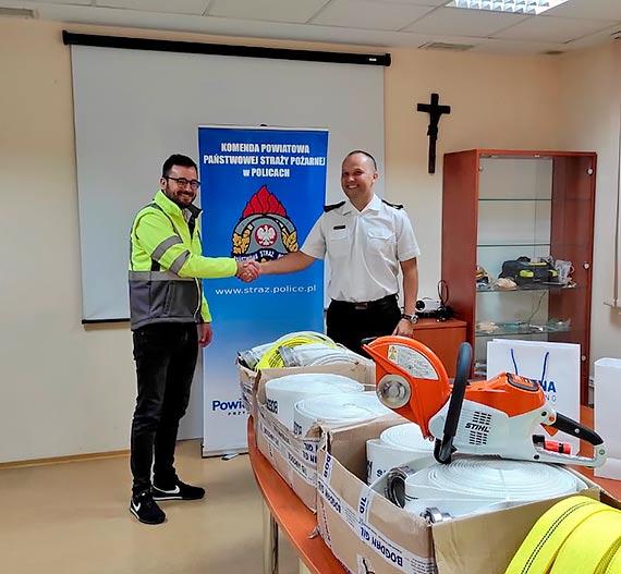 Nowy sprzęt dla strażaków z Polic