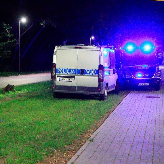 Śmierć w ciemnościach, nocna akcja policji. Zobacz film!