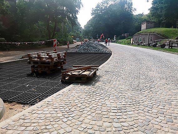 Ulica Jachtowa zmienia się w szlak pieszo-rowerowy [2]