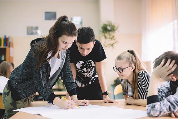 """Trwa rekrutacja do projektu edukacji ekonomicznej """"Ferie z ekonomią"""" w roku szkolnym 2021/2022"""