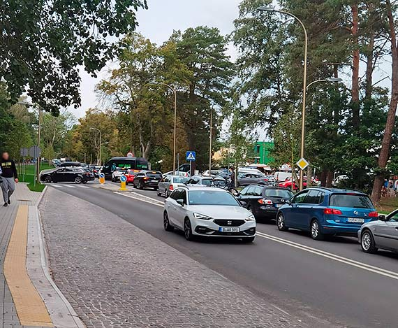 Gigantyczne korki w Świnoujściu, część miasta jest sparaliżowana! Panuje totalny chaos! [2]