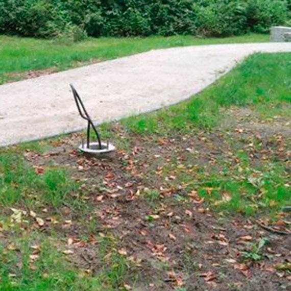 Mieszkaniec: Czy tak powinien wyglądać park oddany do użytku?