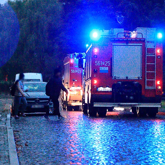 Zamiast karetki do poszkodowanego pojechali strażacy [2]