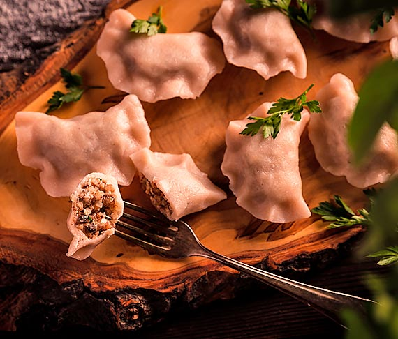 Przepis kulinarny Bezglutenowe pierogi z kaszą gryczaną i twarogiem